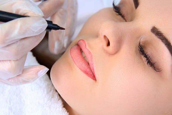 Профессиональный татуаж бровей, губ, век